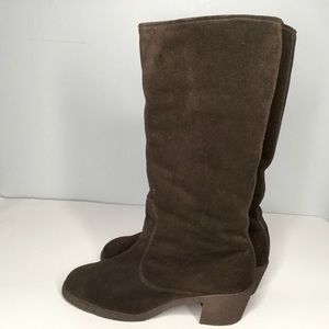 Bally brown suede winter boots.